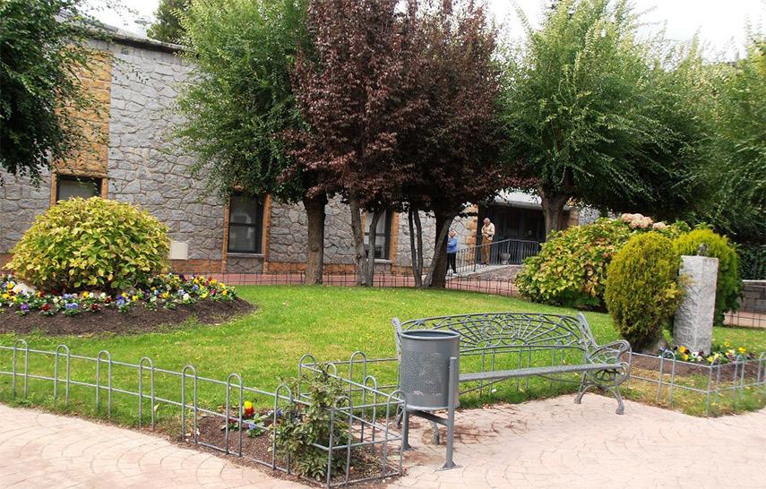 Jardines huertos urbanos y ordenanza de terrazas web for Jardines urbanos en terrazas