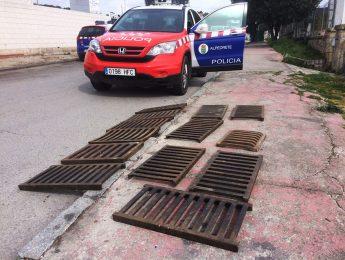 Imagen de la noticia La Policía localiza 13 rejillas de alcantarilla robadas