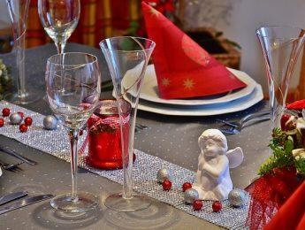 Imagen de la noticia Comida navideña para nuestros mayores
