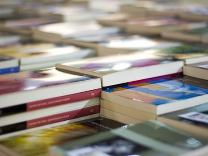 libros en la Feria del Libro
