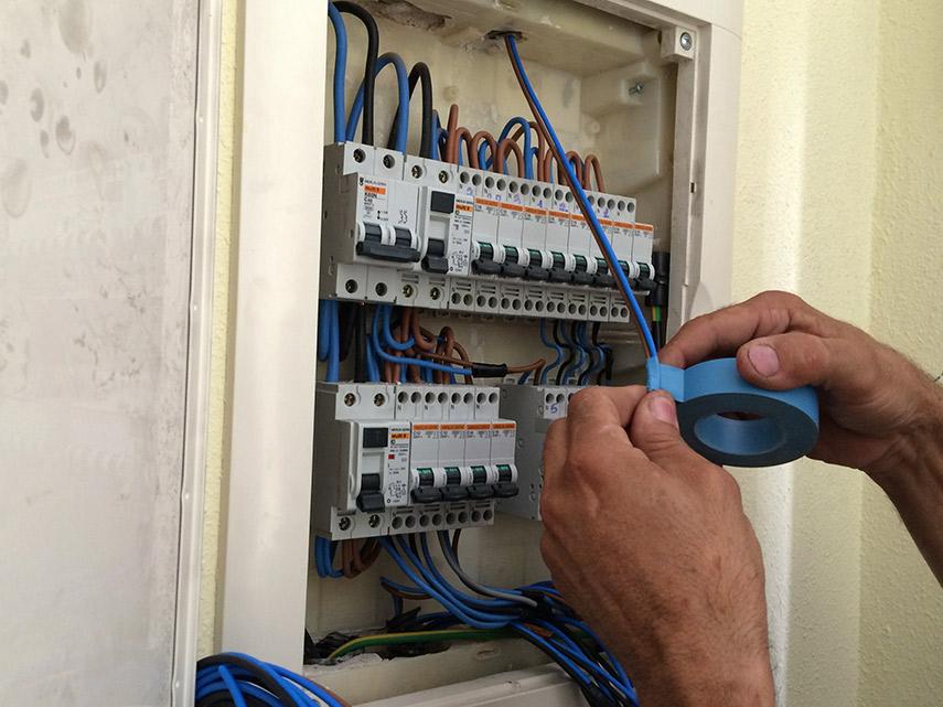 Imagen de la noticia Regularización de los contratos eléctricos con luz de obra