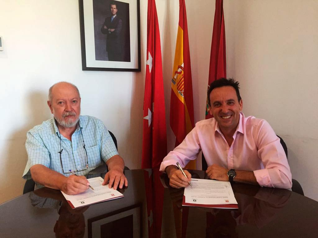 Imagen de la noticia Alpedrete y Moralzarzal firman un convenio para compartir recursos de Protección Civil