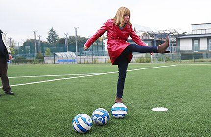 Imagen de la noticia Nuevo césped del campo de fútbol y de las pistas de pádel