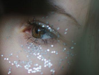 Imagen de la noticia Taller de maquillaje navideño