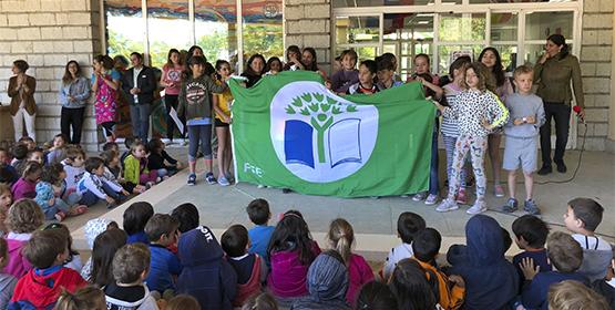 Imagen de la noticia El Peralejo consigue la bandera verde de Ecoescuela