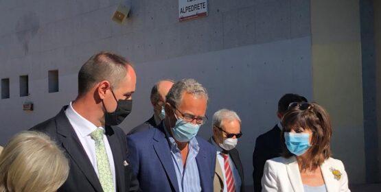 Imagen de la noticia El Consejero de Educación y Juventud visita las obras de ampliación del IES Alpedrete
