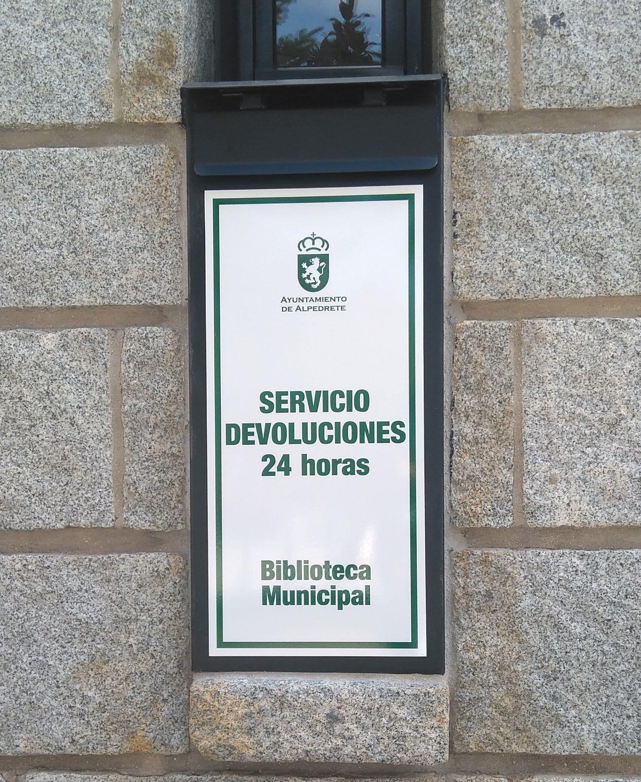 Imagen de la noticia La Biblioteca Municipal pone en marcha el buzón de devolución de préstamos 24 horas