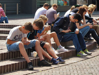 Imagen de la noticia Uso positivo y saludable de las redes sociales por niños y adolescentes